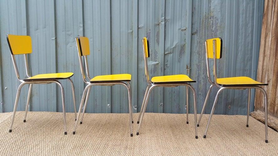 Lot De 4 Chaises En Formica Jaune Fibresendeco Vannerie Artisanale Amp Mobilier Vintage
