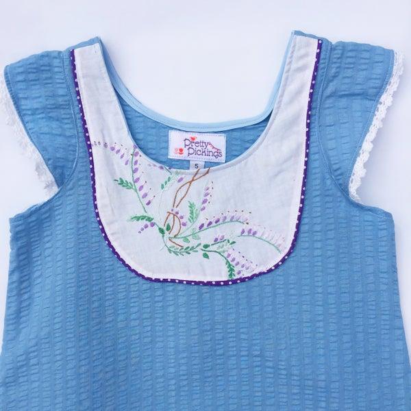Image of Seersucker Doily dress - size 5