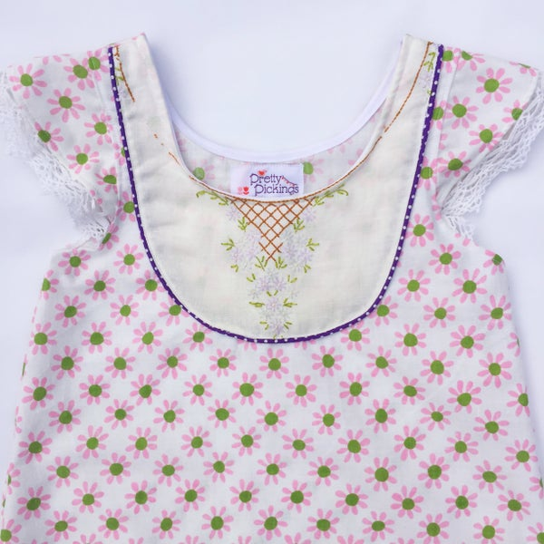 Image of Vintage daisies doily dress - size 6