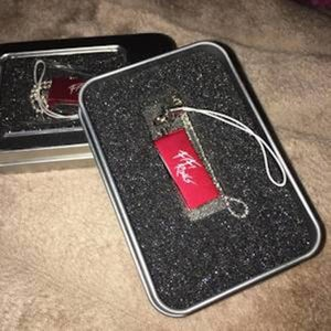 Image of Special Edition 8G USB with All Fifi Rong Music Releases