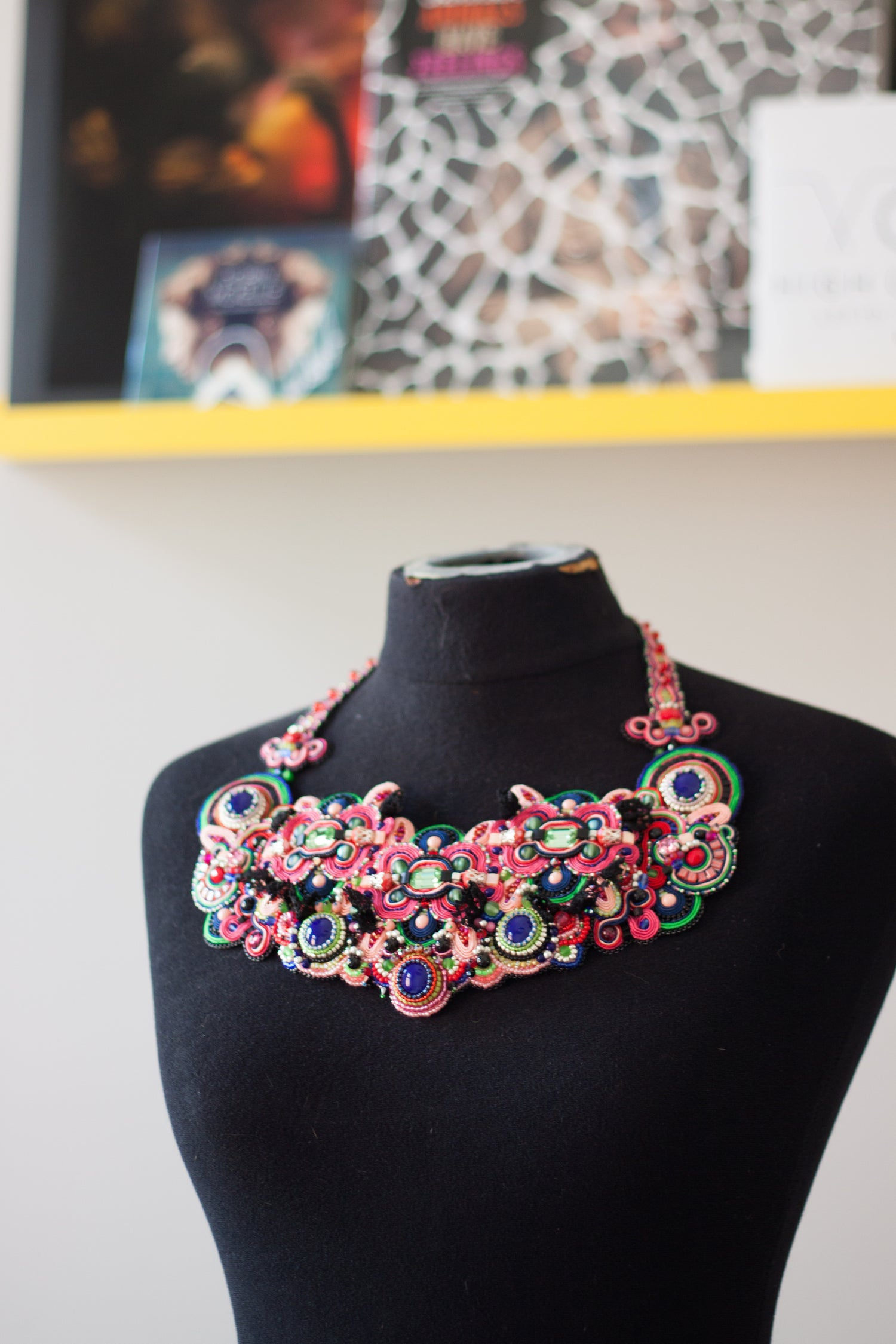 Image of Floral Philosophy - Collier d'exception brodé