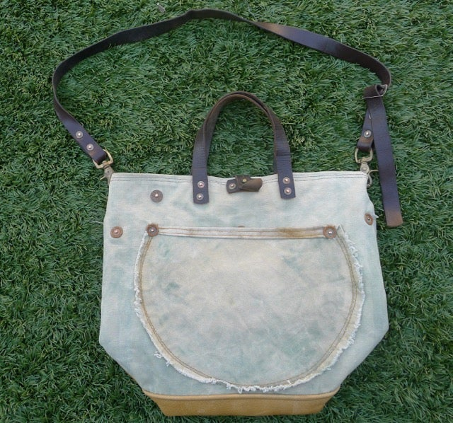 Image of MARBLED GREEN GENIE TENT CANVAS BUCKET TOTE