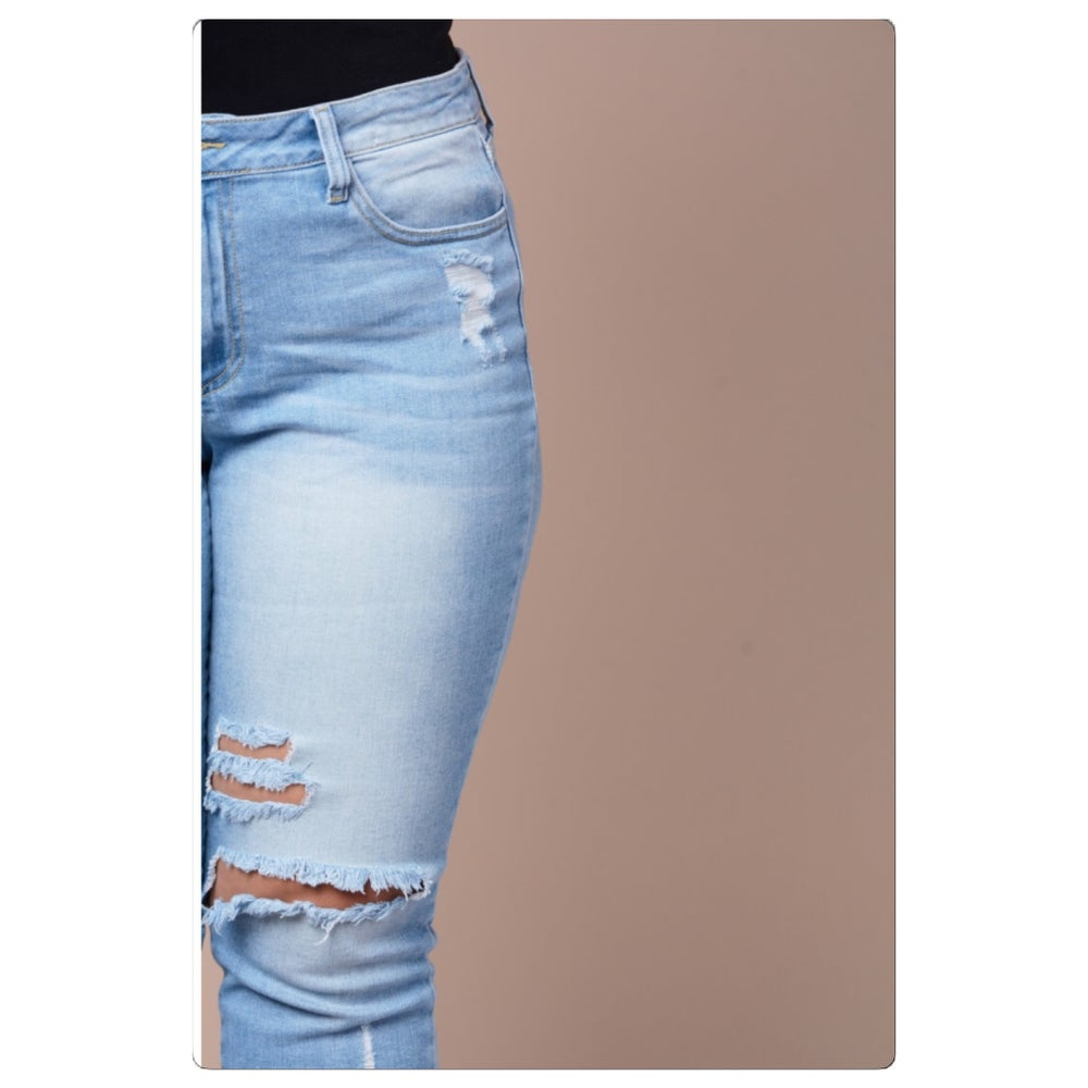 Image of Curvy Girlz Distressed Boyfriend Jeans