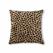 Image of 676685000248 Natural- Torino Cowhide Pillow 18x18 Cheetah