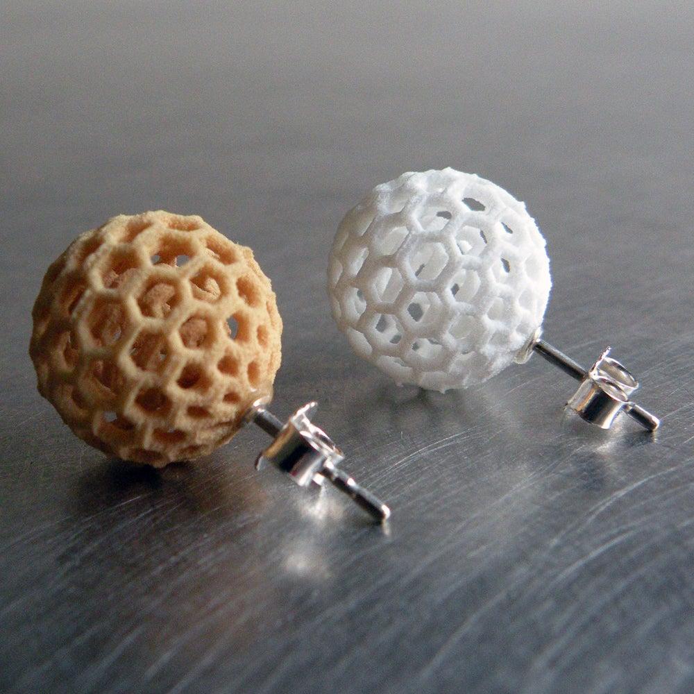 Image of 3D printed earrings BEHAVE