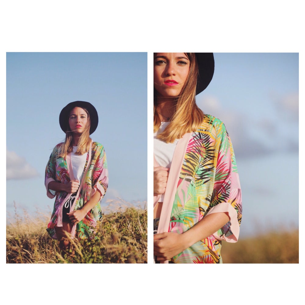 "Image of Sobrecamisa 🌴""Tropical Palms"" (Rosa)"