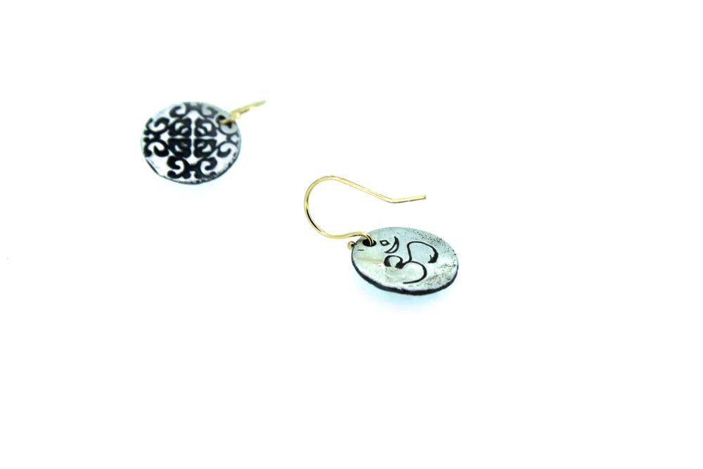 Image of om earrings . E-c8