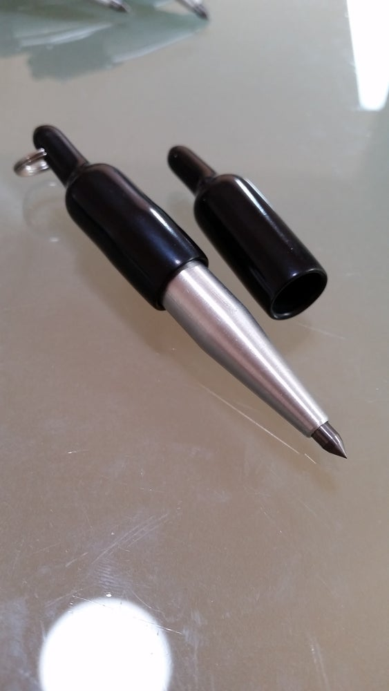 """Image of """"SUPER HEAVY DUTY WIDE TIP"""" CARBIDE POINT MAGNETIC END KEYCHAIN SCRIBES"""