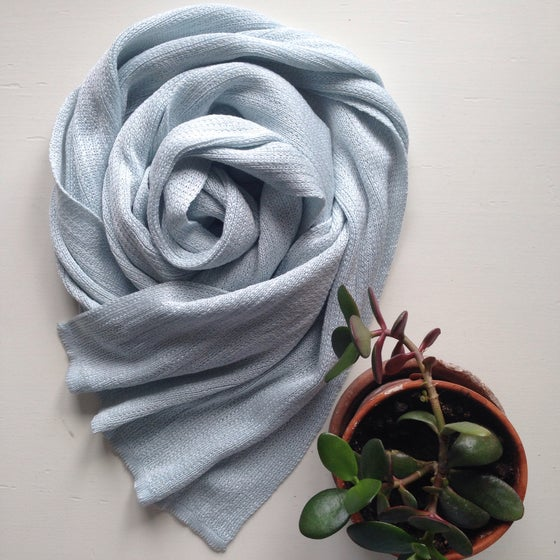 Image of Scarf in cotton and silk // light blue