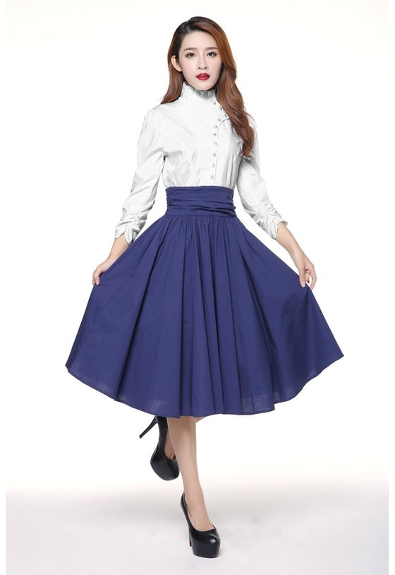 Image of Lady Amber in Navy and White
