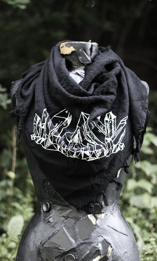 Image of BLACK QUARTZ SCARF