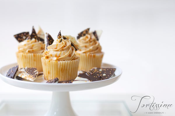 Image of White Chocolate Mud Cupcakes with Salted Caramel Frosting
