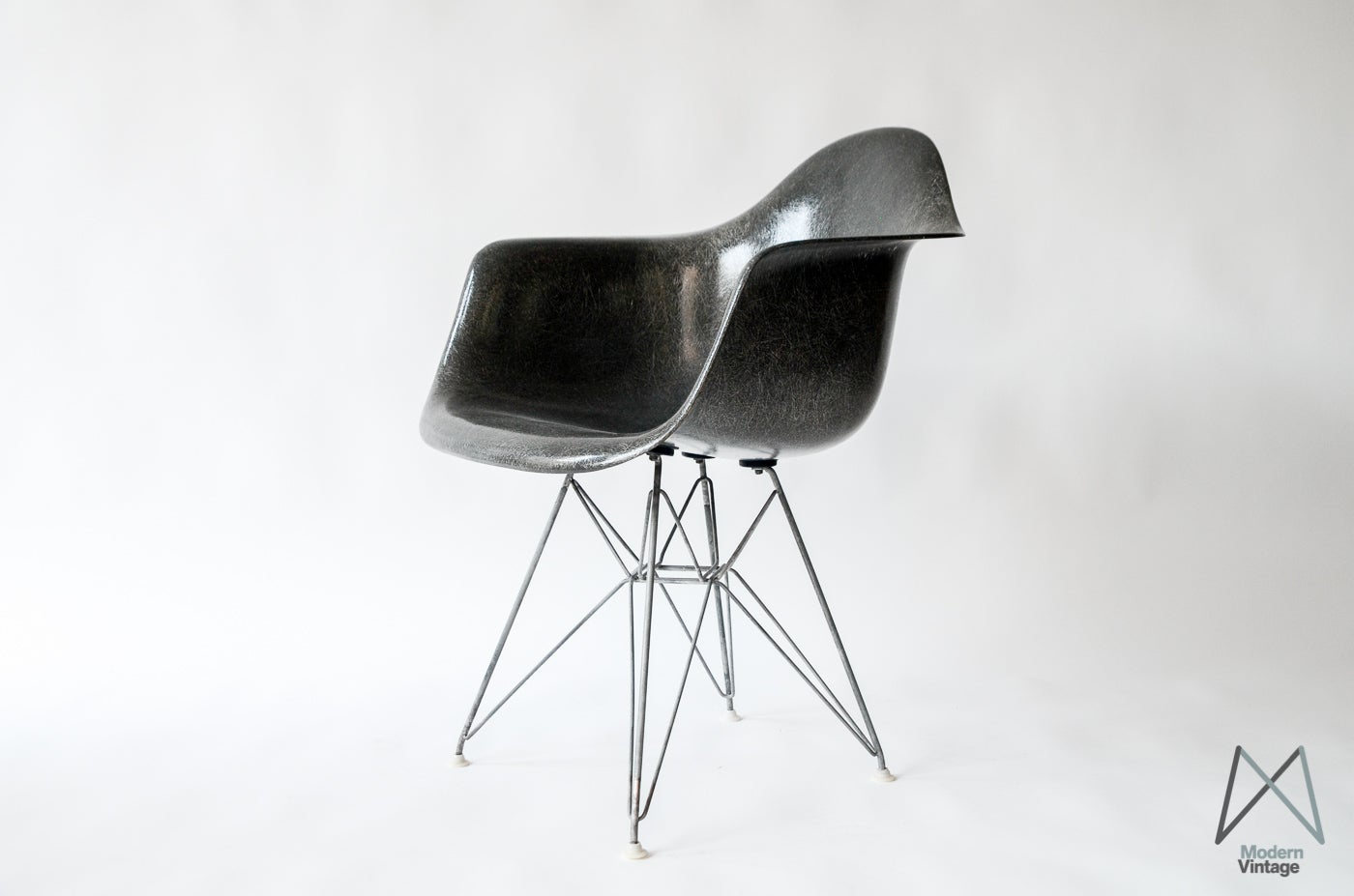 Sessel modern  Modern Vintage Amsterdam - Original Eames Furniture — Eames DAR ...