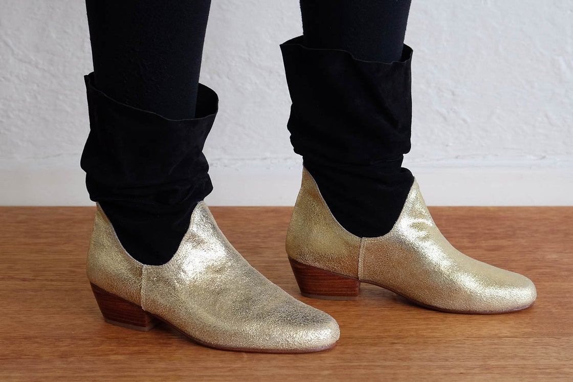 Image of YEHAH BOOT - GOLD AND BLACK