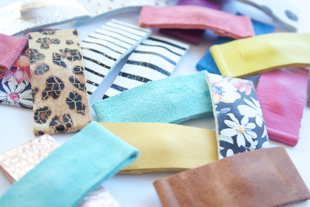 Image of  LEATHER SNAP CLIPS I 43 colors to choose from