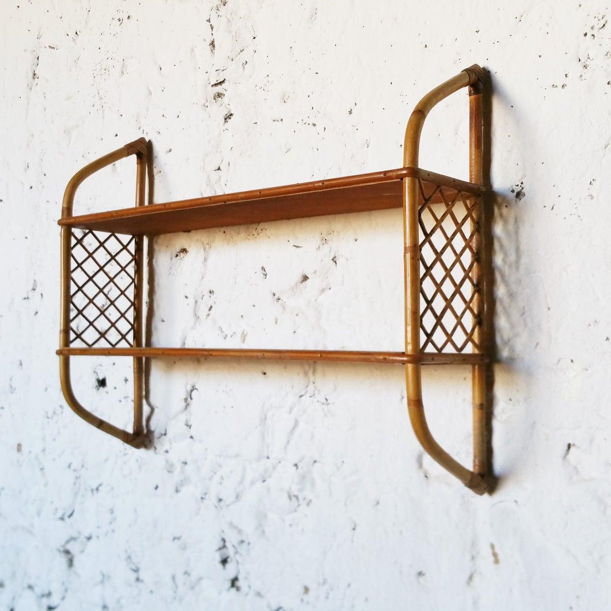 etag re vintage en rotin fibresendeco vannerie artisanale mobilier vintage. Black Bedroom Furniture Sets. Home Design Ideas