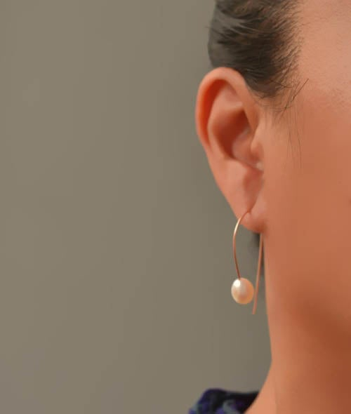 Image of Curvy white freshwater cultured pearl earrings 14kt rose gold-filled