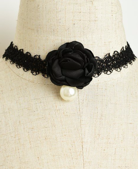 Image of Dark Rosebud Choker