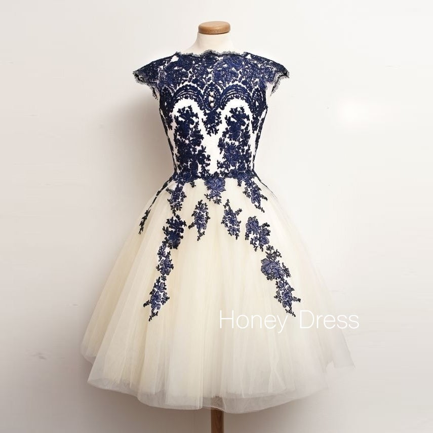 Image of Tulle Short Prom Dress With Navy Blue Lace Appliques