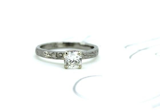 Image of cushion cut moissanite engagement ring . size 6