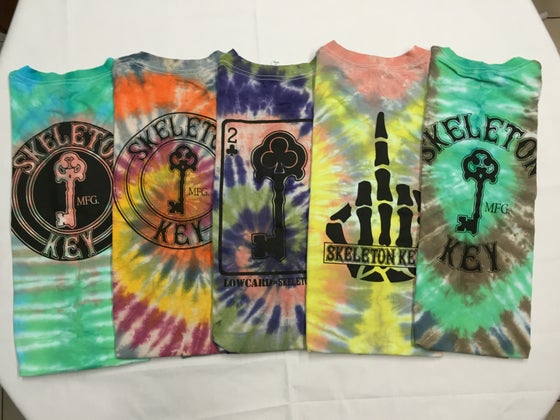 Image of SKELETON KEY MFG TIE-DIE S/S TEES