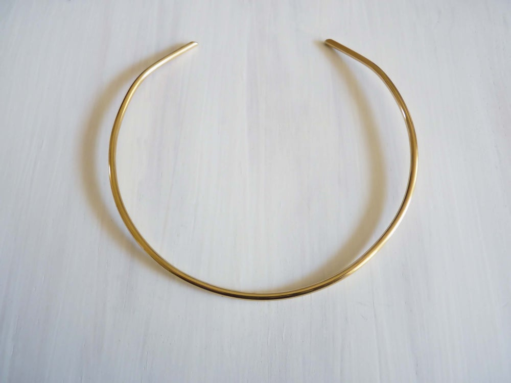 Image of Bauhaus neck cuff _ brass