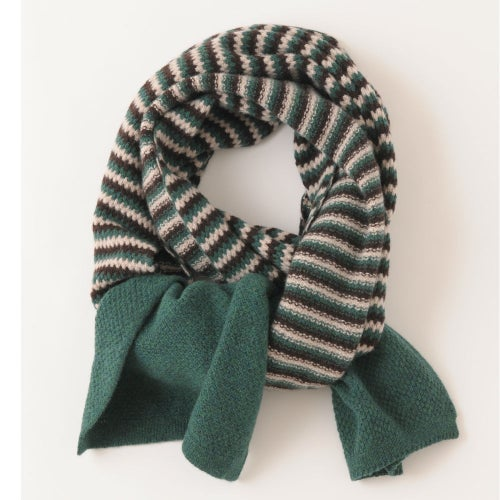 Image of Tuck Stitch Shawl - Green
