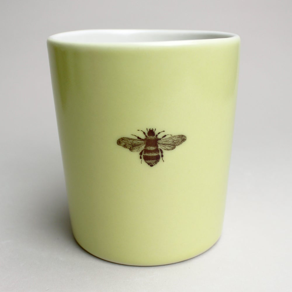 Image of 16oz mug with bumblebee, mustard
