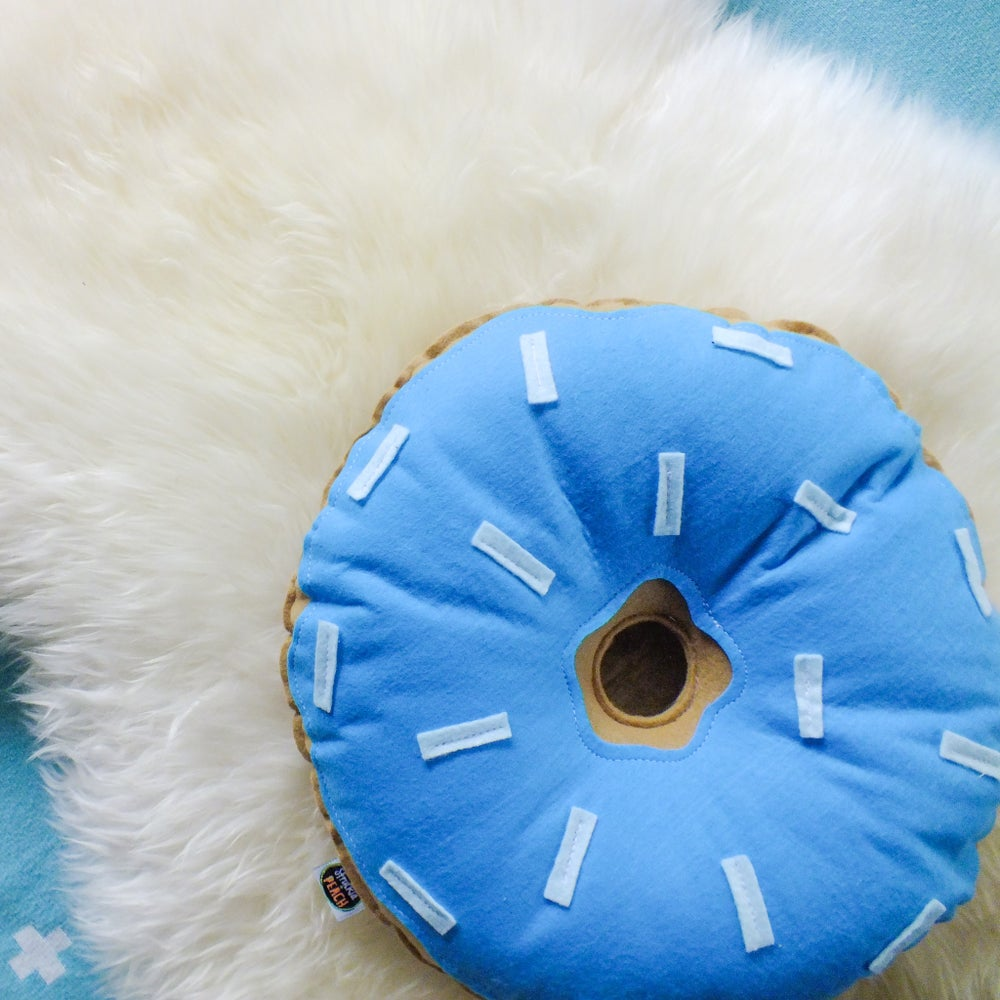 Image of ORIGINAL DONUT - TURQUOISE WITH LIGHT BLUE SPRINKLES
