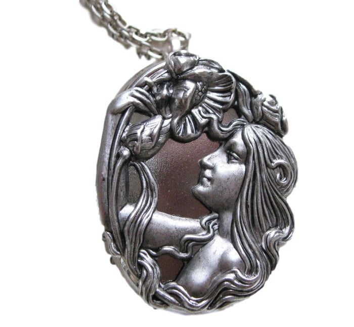 Image of Musical Locket Cameo Silver