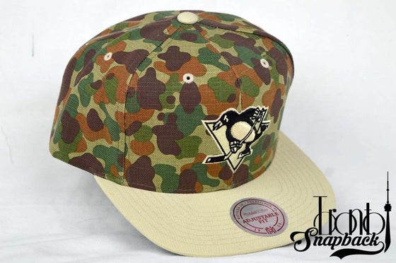 Image of PITTSBURGH PENGUINS MITCHELL & NESS CAMO SNAPBACK