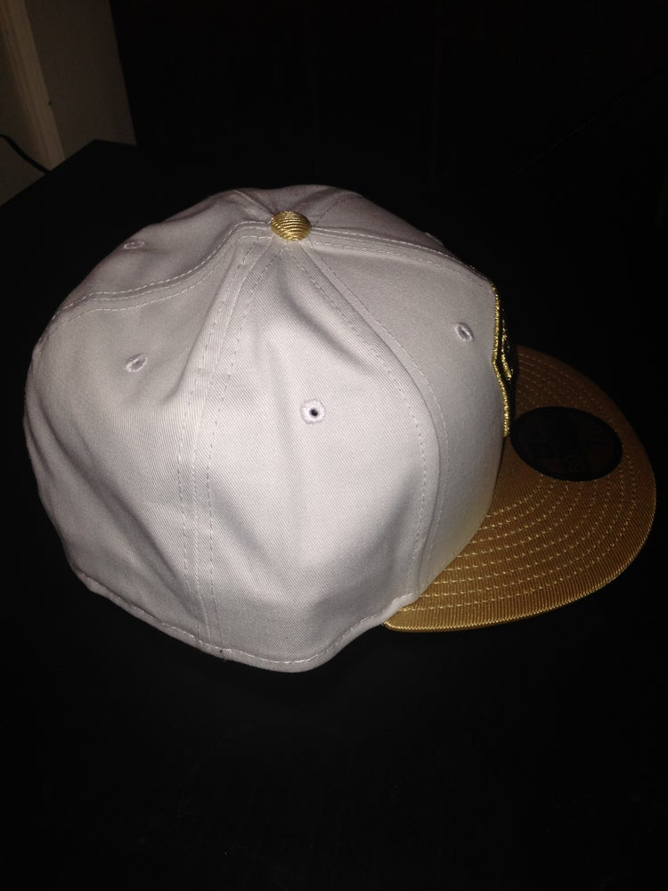 "Image of New Era Chicago Bulls New Era Fitted ""White/Gold"""
