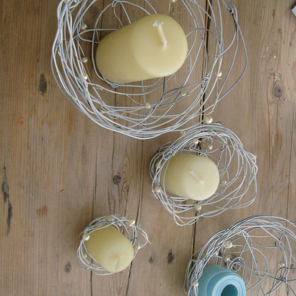 Image of 3 Pearl Wire Nests