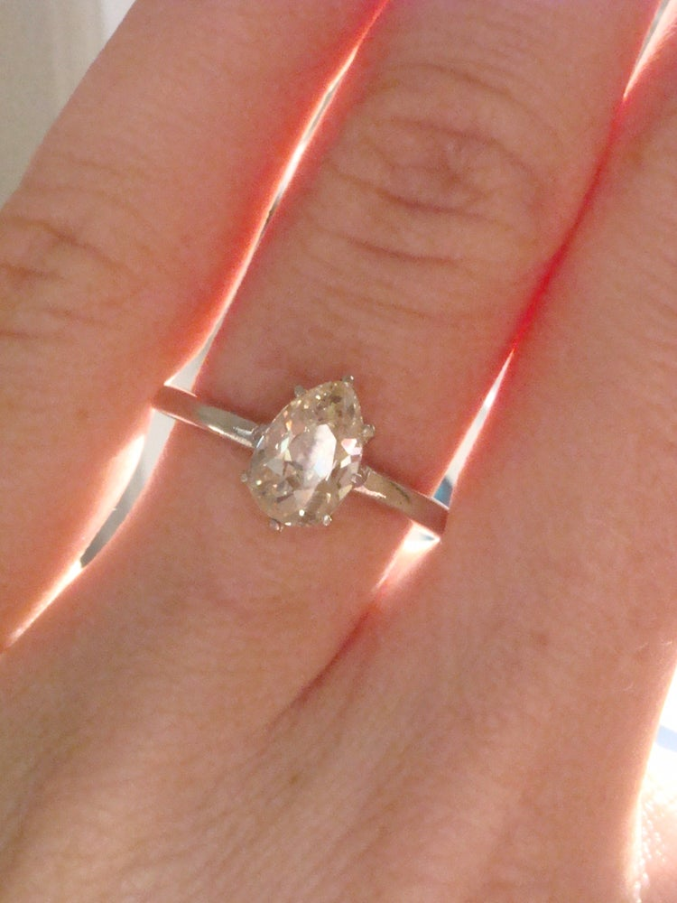 Image of Art deco platinum old pear cut diamonds solitaire 1.50ct ring