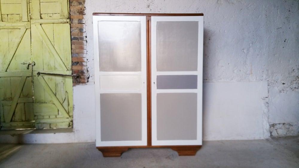 Image of Grand meuble de rangement vintage