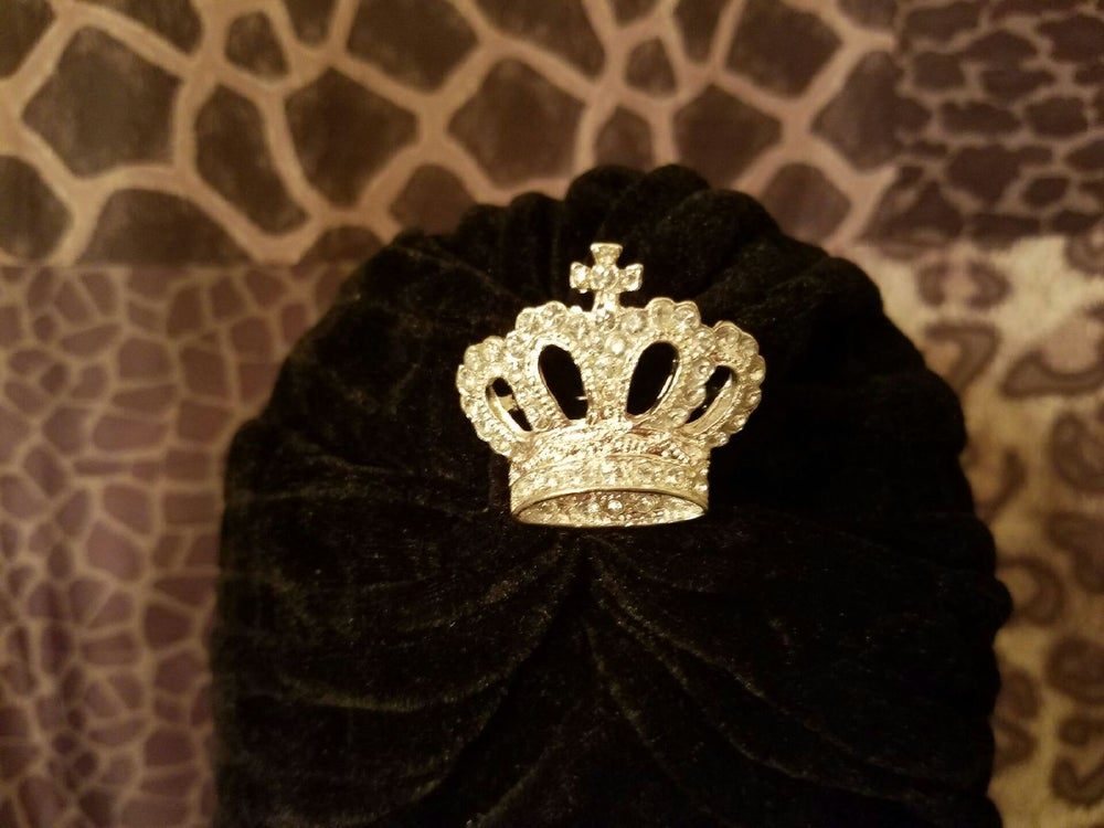 Image of Silver/Gold Lining Crowns