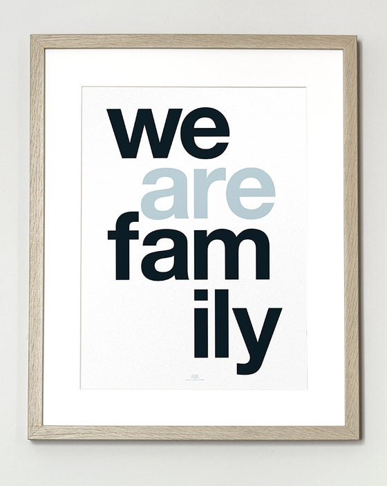 Image of Affiche We Are Family SOLDE -30%