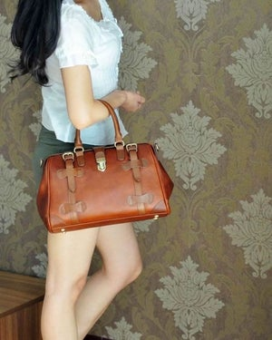 Image of Vintage Handmade Antique Cow Leather Women's Handbag / Purse / Shoulder Bag / Messenger Bag (m22)