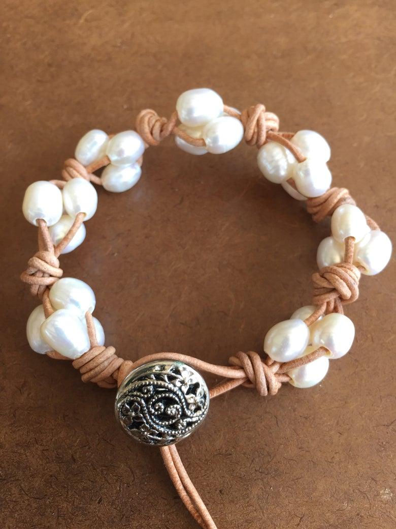 Image of Knotty Pearl Bracelet
