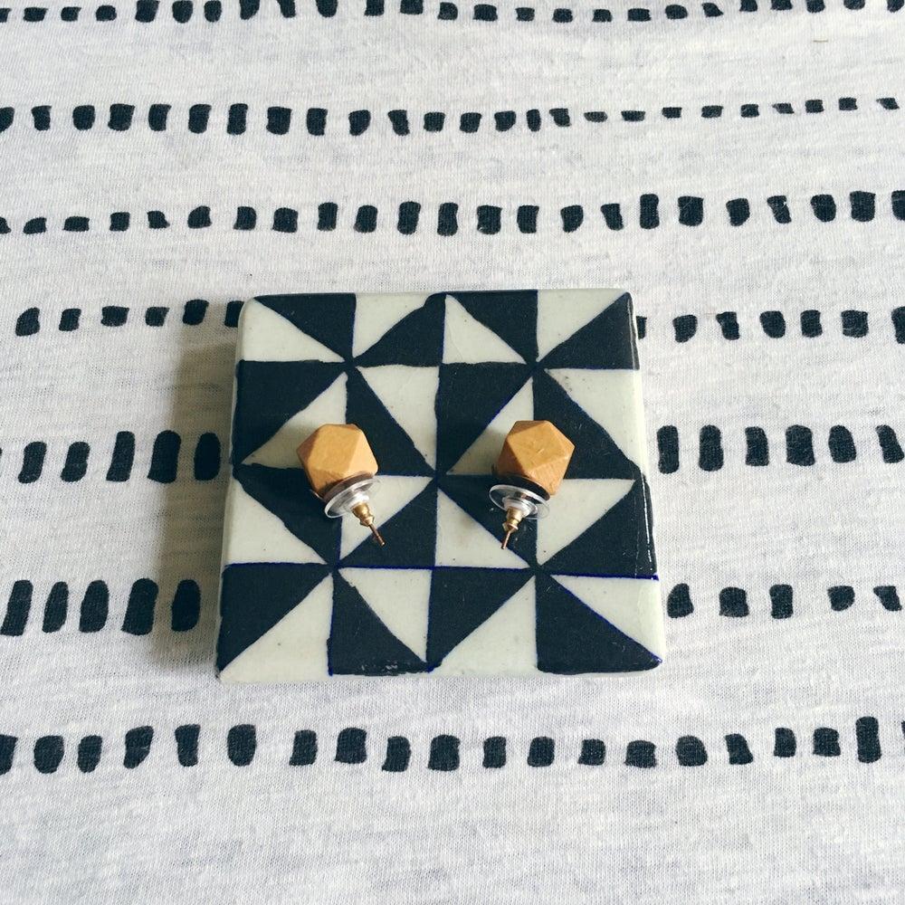 Image of •Kére• wood stud earrings (pine)