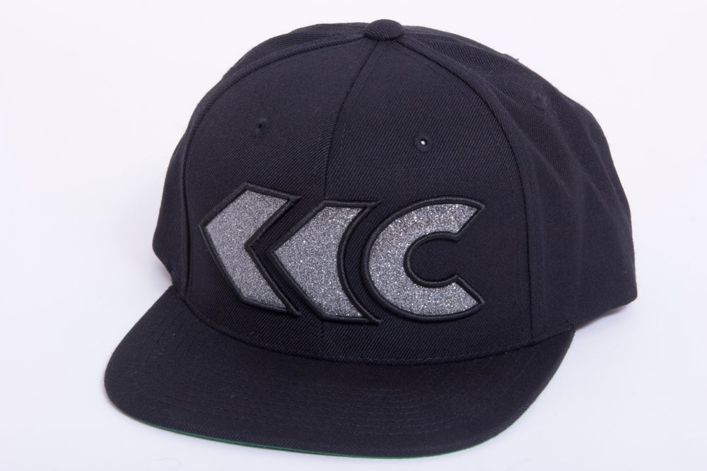 Image of Shimmer Gray Appliqué Snap Back