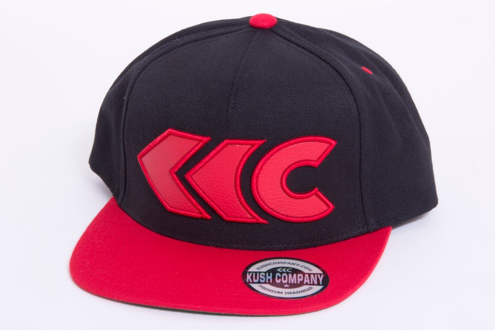 Image of Black/Red Applique Snap Back 2