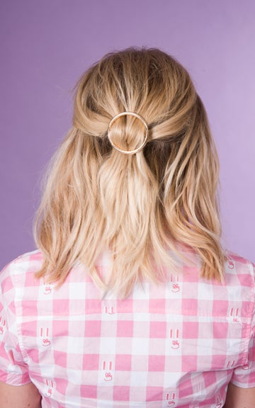Image of Circle Hair Clip Available in Gold and Silver