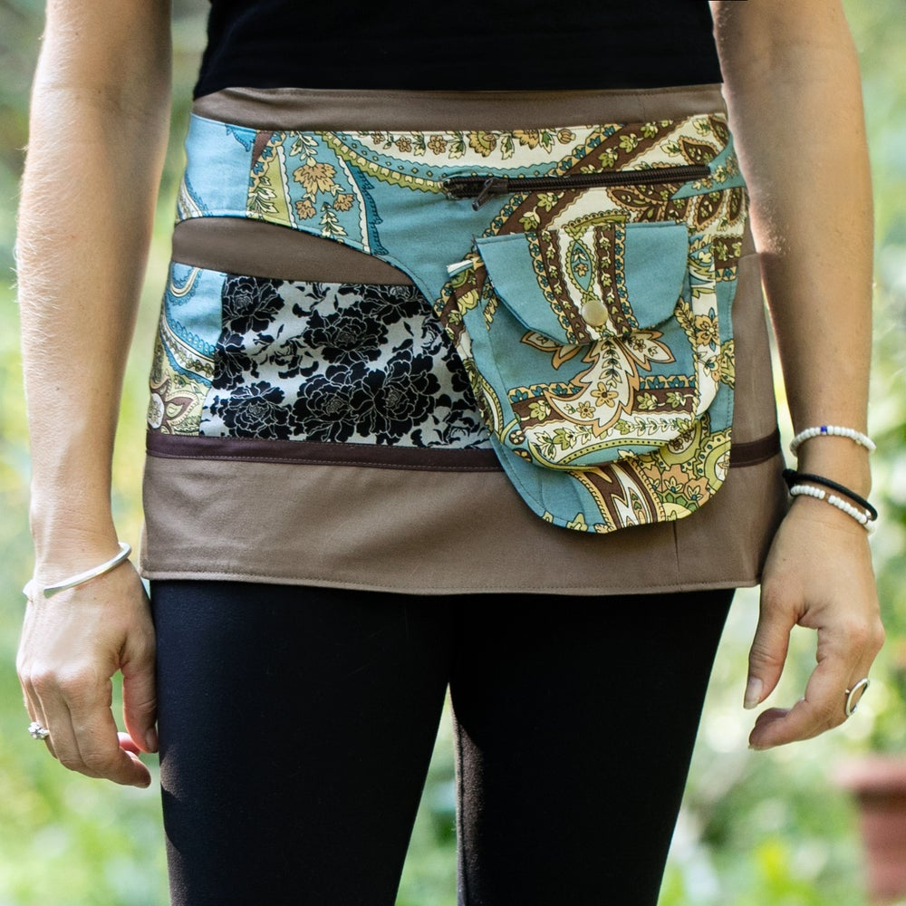 Image of Hollow & Ridge yoga skirt-vintage brown