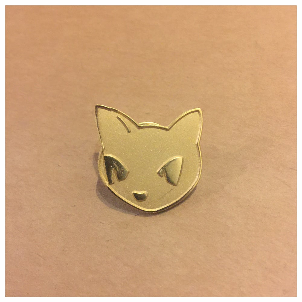 """Image of 1"""" Gomi Gold Lapel Pin"""