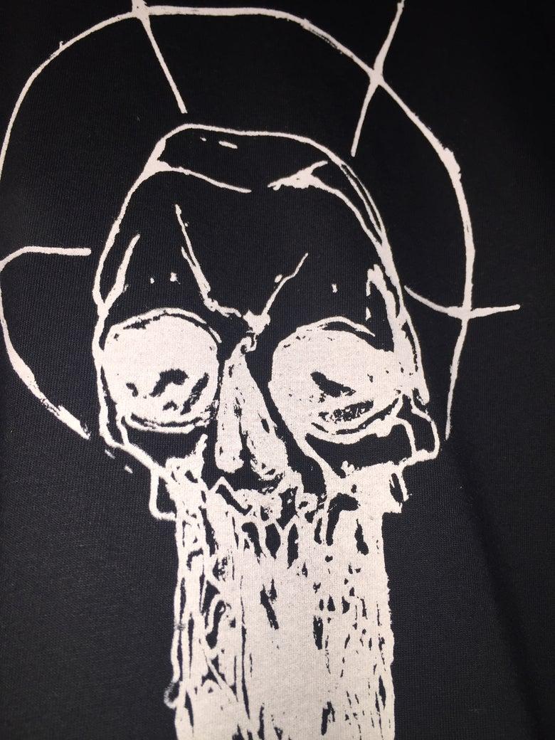 "Image of Demian Johnston ""Dripping Skull"" shirt"