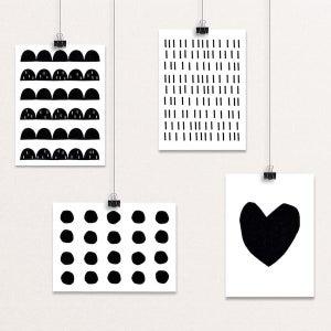 Image of MONOCHROME -postikorttisetti, Seventy Tree