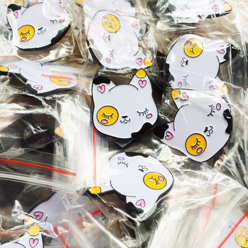 Image of Cutie Pie Calico Cat pin
