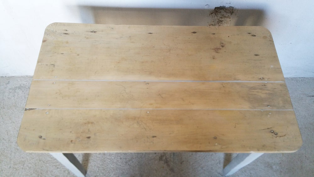 Image of  Table ancienne en bois - deco shabby chic