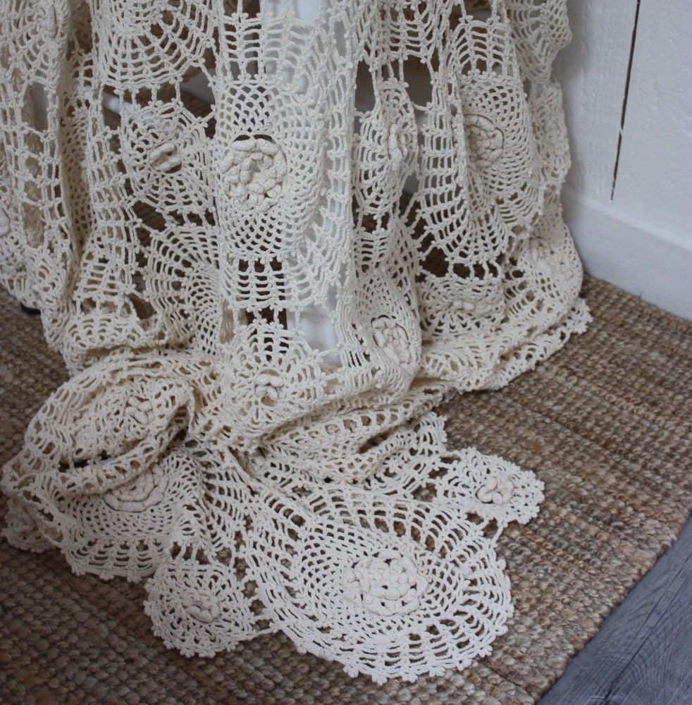Image of Superbe plaid ancien au crochet.
